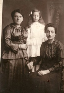 Minnie Brattisani with 'little eva' and a lady called 'Chena'