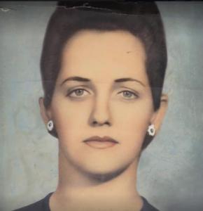 Nina's mom
