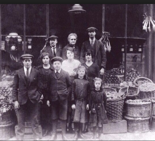 This Greengrocer shop was situated in Delamere Crescent in Paddington London. Photo taken in the 1920s.